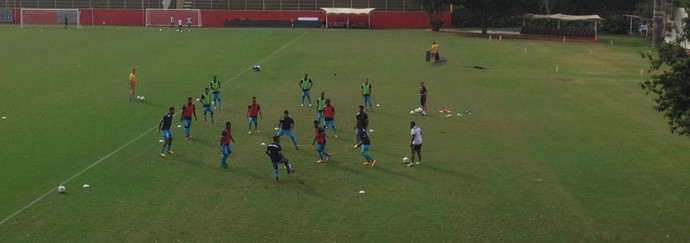 Seleção de Fiji treina no Barradão (Foto: Rafael Teles)