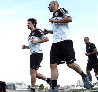 Paulo André Alessandro treino Corinthians (Foto: Mauro Horita )