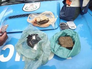 Material encontrado por agentes no bairro Nova Liberdade (Foto: Dilvulgação/Polícia Militar)