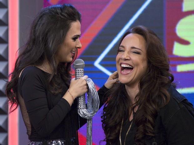 Ana Carolina cai na risada no Tudo Pela Audincia (Foto: Samuel Kobayashi/Multishow)