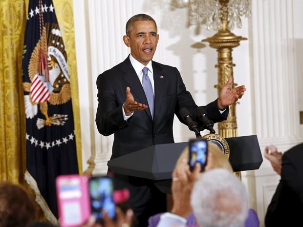 O presidente dos EUA, Barack Obama, fala a convidados durante Conferência de Envelhecimento na Casa Branca, em Washington, na segunda-feira (13) (Foto: Reuters/Kevin Lamarque)
