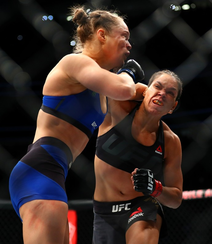 Amanda Nunes x Ronda Rousey (Foto: Reuters)