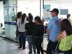 Alunos reclamam de demora em fila para renovar o cartão de transporte