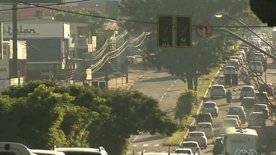 Dívida milionária deixa semáforos de Goiânia sem sincronização, diz SMT