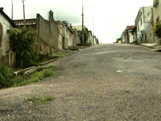 Rua onde policiais teriam tido contato com a criatura em 1996, em Varginha (Foto: Arquivo EPTV)