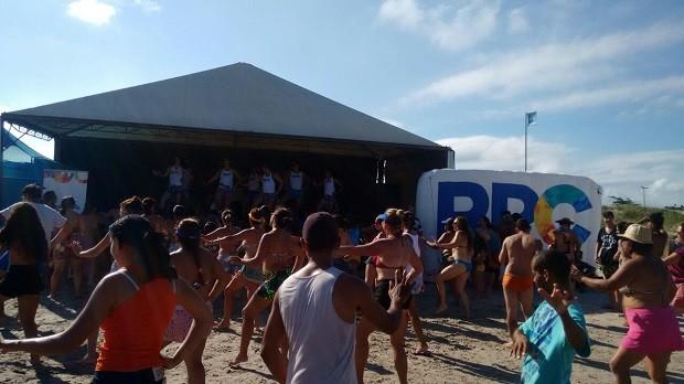 Todo mundo dançou com Ale Brito (Foto: Divulgação/RPC)