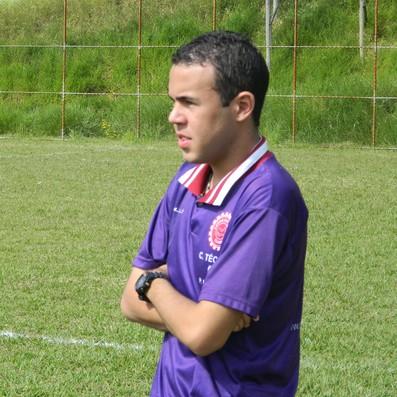Pedro Henrique tem apenas 17 anos e sonha em ser treinador profissional. (Foto: Kaleo Martins / Globoesporte.com)