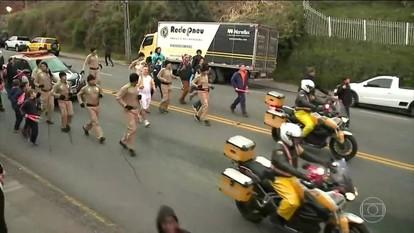 Tocha olímpica encerra revezamento pelo estado do Rio Grande do Sul