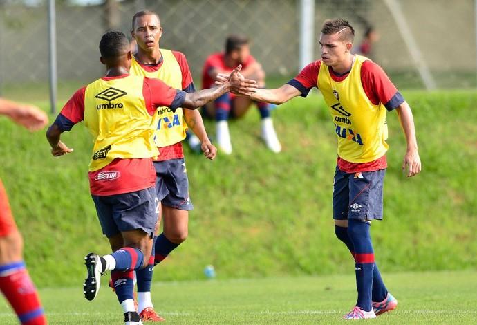 Eduardo, Hernani e Daniel Hernández Atlético-PR (Foto: Site oficial do Atlético-PR/Gustavo Oliveira)