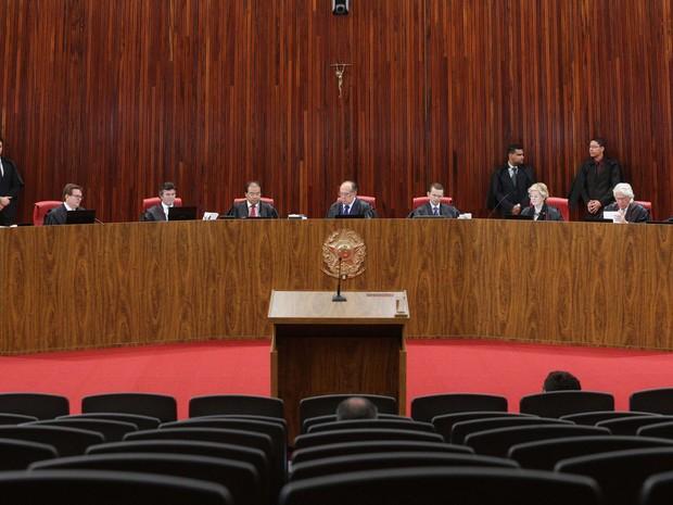 Plenário do TSE durante julgamento de ação que pede a cassação da chapa Dilma-Temer