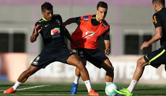 Paulinho e Rodrigo Figueiredo, seleção brasileira (Foto: Lucas Figueiredo/CBF)