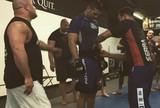 BLOG: Antes de luta com Belfort, Weidman recebe faixa preta de jiu-jítsu de Renzo Gracie