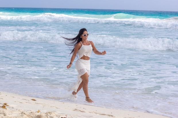 Priscila Nocetti em Cancun (Foto: Divulgação)