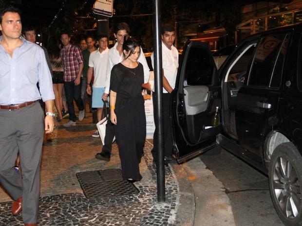 Rômulo Neto e Cleo Pires em restaurante na Zona Sul do Rio (Foto: Rodrigo dos Anjos/ Ag. News)
