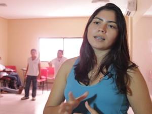 Izabelle faz conexão entre o conteúdo e a brincadeira em sala de aula (Foto: Ricardo Oliveira/G1)