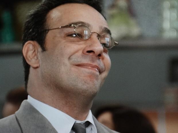 Castilho não se intimida e enfrenta o espírito (Foto: TV Globo)