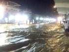 Vídeo: centro de distrito de Itaperuna, RJ, é invadido por correnteza