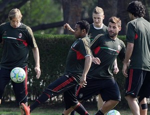 Robinho treino Milan (Foto: EFE)