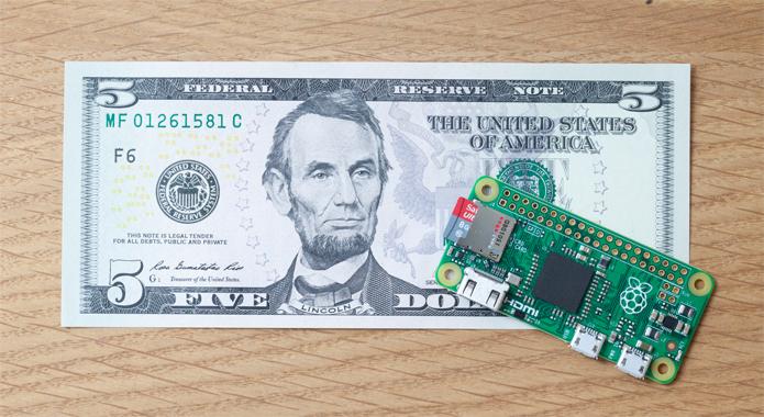 Pi Zero é um computador de US$ 5, extremamente pequeno e simples (Foto: Divulgação/Raspberry Pi Foundation)