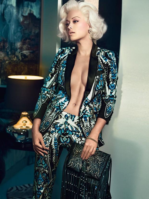 À la Marilyn Monroe: Rita Ora na campanha de inverno 2015 de Roberto Cavalli