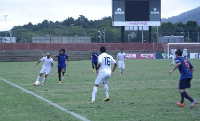 Doze e Espírito Santo empataram por 0 a 0, no Engenheiro Araripe (Foto: Richard Pinheiro/GloboEsporte.com)
