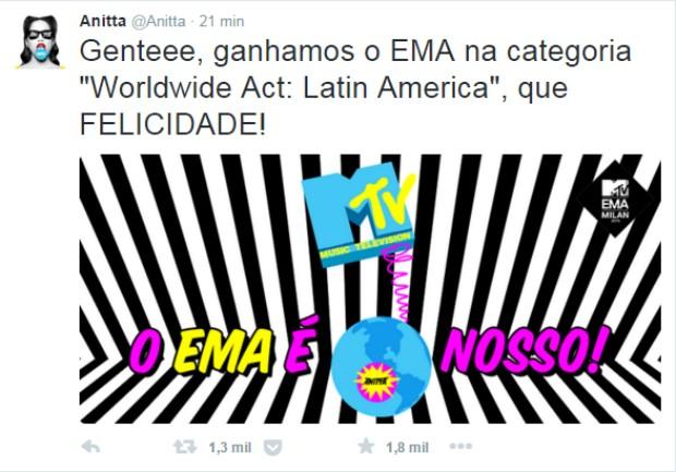Anitta comemora prêmio no Twitter (Foto: Reprodução / Twitter)