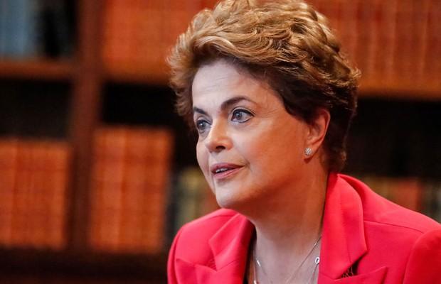 Vaquinha para pagar viagens de Dilma supera R$ 500 mil em 2 dias
