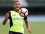 """Ainda sem gol pelo Bota, Guilherme lembra de assistências: """"Quero ser útil"""""""