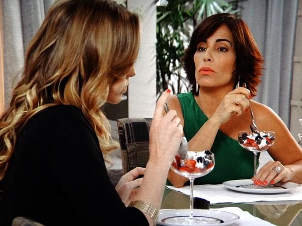Roberta é direta com Vânia (Foto: Guerra dos Sexos / TV Globo)