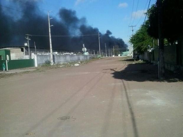 Ônibus são atacados no terminal do Vale Dourado, Zona Norte de Natal (Foto: Emmily Virgílio/Inter TV Cabugi)