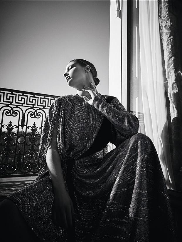 Vestido de seda com jérsei, preço sob consulta (Foto: Fe Pinheiro)