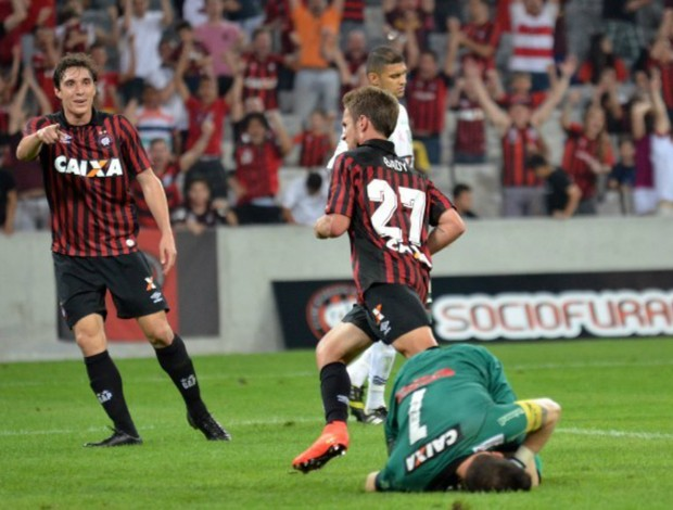 Atlético-PR x Figueirense (Foto: Divulgação Atlético-PR)