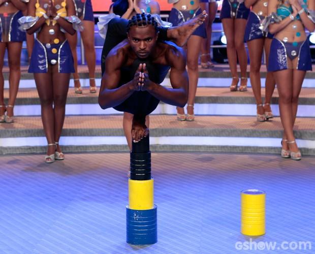 Olha só o equilíbrio desse cara! (Foto: Felipe Monteiro / TV Globo)
