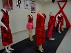 Exposição no AP tem vestimentas produzidas com preservativos