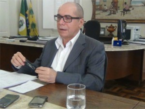 Reitor da UFC, Jesualdo Farias, destaca investimento nos hospitais universitários (Foto: Agência Diário)