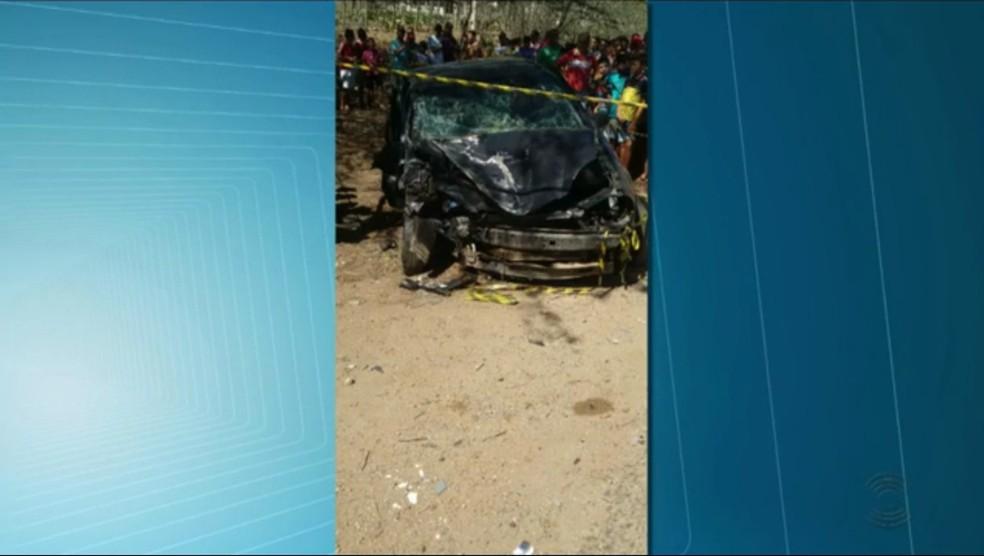 Acidente aconteceu na BR-412, próximo ao município de Boa Vista, no Cariri da PB (Foto: Reprodução/TV Paraíba)