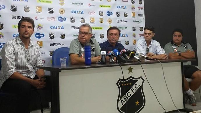 Josué Teixeira é apresentado pelo ABC (Foto: Divulgação/ABC)