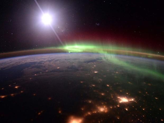 Fenômeno da Aurora boreal é registrado do espaço pelo astronauta da Nasa Scott Kelly (Foto: Reprodução/ Twitter/ Scott Kelly)