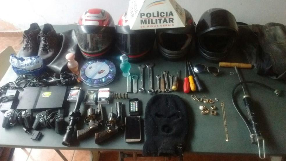 Criminosos invadiram fazenda em Buenópolis (Foto: Divulgação/Polícia Militar)