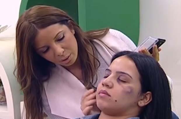 Emissora marroquina  2M criou polêmica ao exibir tutorial de make para esconder hematomas de agressões (Foto: Reprodução)