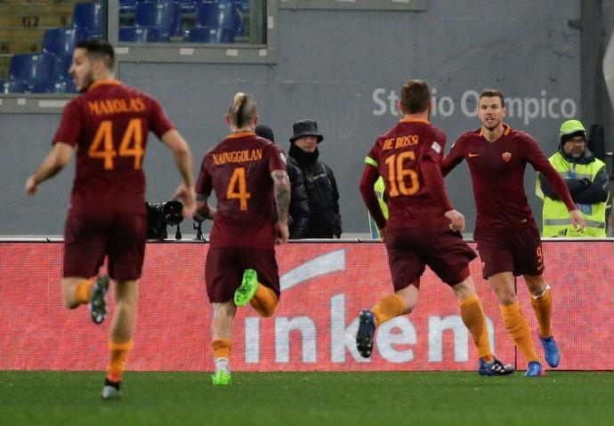 Dzeko Roma x Fiorentina (Foto: Reuters)