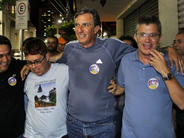 Rafael Simões comemora vitória em Pouso Alegre (Foto: Julian Andrew)