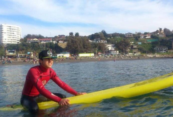 Lucas Retamales, o surfista cego de 15 anos do Chile (Foto: Reprodução / Facebook)