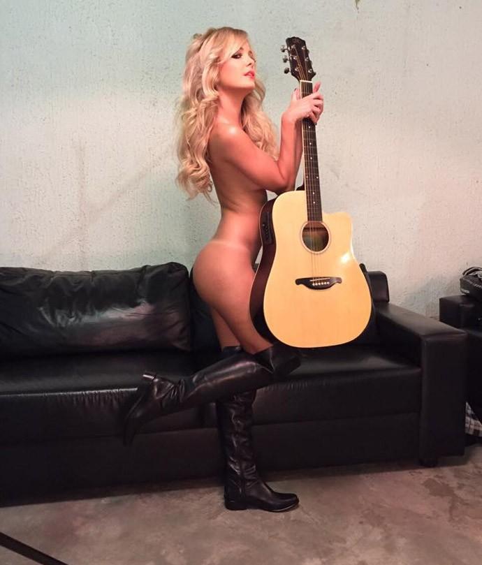 Ring Girl Jhenny Andrade