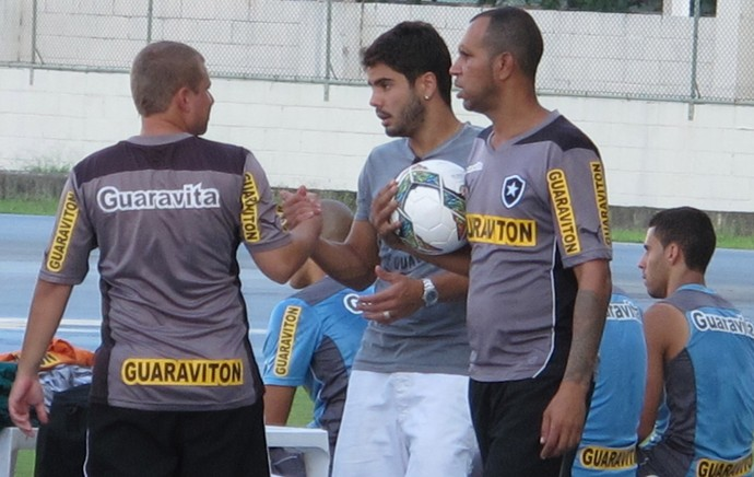 Henrique despedida Botafogo (Foto: Gustavo Rotstein)