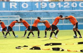 Dado ajusta posicionamento do time para partida contra o Goiás