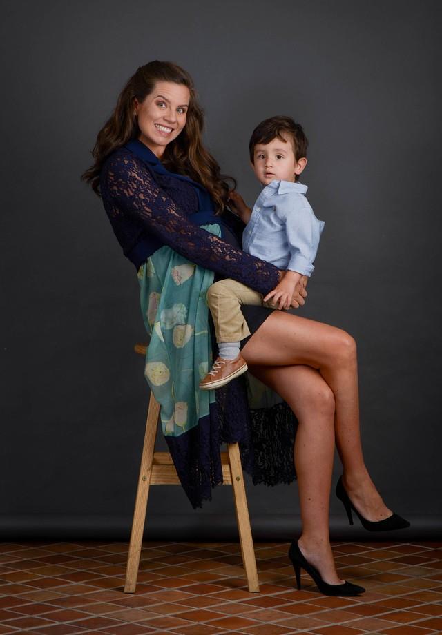 Vittoria Camargo com Joaquim e grávida da Catarina (Foto: Rodrigo Zorzi/Divulgação)