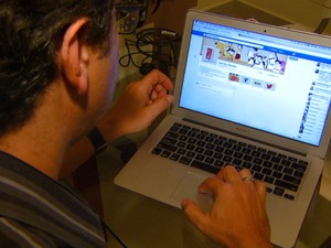 Redes sociais ajudam empresas a faturar mais e ter bom relacionamento com clientes (Foto: Alfredo Morgante/EPTV)