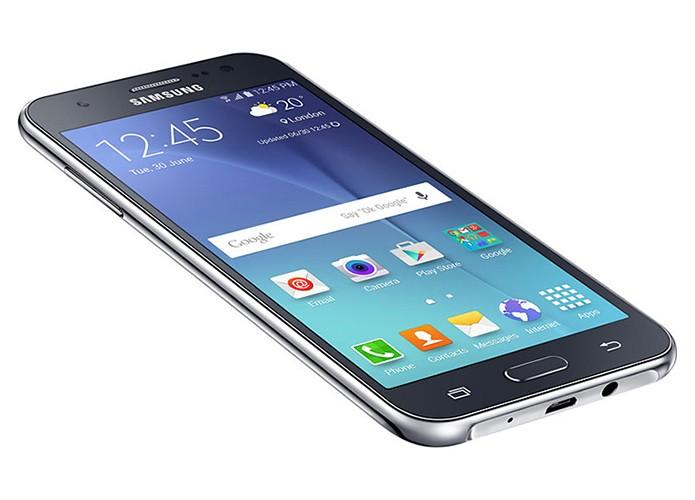 Galaxy J5 tem 16 GB de memória e câmera de alta resolução (Foto: Divulgação/Samsung)