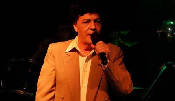 Encerrando a temporada, o Bailes Cariocas chega à Tijuca com show do cantor e compositor Wanderley Cardoso. (Foto: Divulgação)